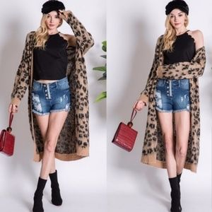 ⭐JUST ARRIVED!⭐ Long fuzzy leopard trench cardigan